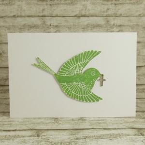Handgemachte Klappkarte mit großem Vogel und Kreuz im Schnabel in Grün Din A6 - Handarbeit kaufen