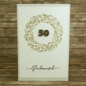 Handgemachte Klappkarte zur Goldenen Hochzeit mit Federkranz und Zahl in Gold Din A6 - Handarbeit kaufen