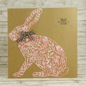 Handgemachte Klappkarte mit großem Hasen und Schleife in Rosa und Schwarz-Weiß Quadratisch - Handarbeit kaufen