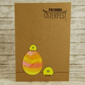 Handgemachte Klappkarte mit Küken und großem bunten Ei in Pink, Orange und Gelb Din A6 - Handarbeit kaufen