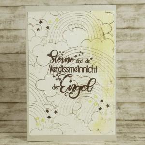 Handgemachte Klappkarte zur Trauer Sternenkind Schmetterlingskind mit Wolken, Regenbogen und Spruch in Gelb und Grau Din A6 - Handarbeit kaufen
