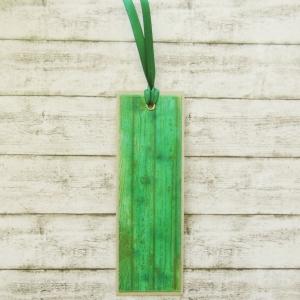 Handgemachtes Lesezeichen aus Papier mit grüner Holzmaserung - Handarbeit kaufen