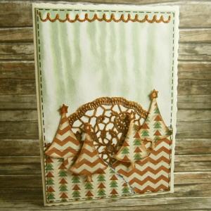 Handgemachte Klappkarte mit Weihnachtsbäumen und goldenem Doily Din A6 - Handarbeit kaufen