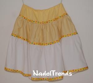 Sommerrock in gelb - weiß in Größe 140 - Handarbeit kaufen