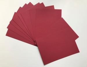 BASTELKARTON DUNKELROT: 20 Blätter Bastelkarton in dunkelrot, DIN A4, Grammatur 300 g/qm plus Gratis-Karte - kostenloser Versand