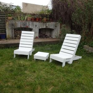 Liegestühle aus Bauholz - Handarbeit kaufen