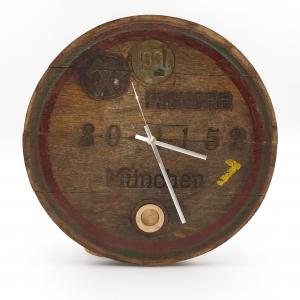 Wanduhr aus einem alten Bierfassdeckel