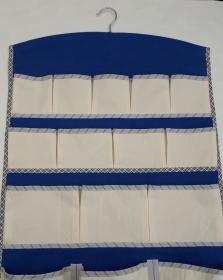 Wandtasche in Blau und Beige zum Aufbewahren von Kleinkram - Handarbeit kaufen
