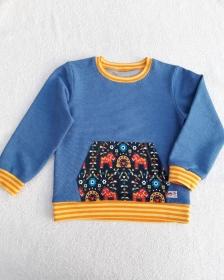 Blaues KIndersweatshirt mit Kängurutasche in Größe 98