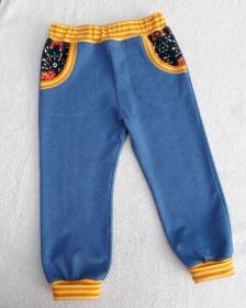 Blaue Kinderschlupfhose mit zwei Taschen in Größe 98 - Handarbeit kaufen