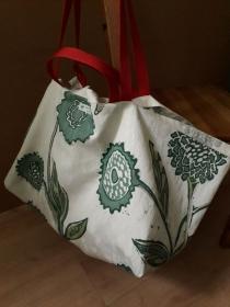 Robuste Allround-Tasche mit Blumenmotiv aus Baumwolle - Handarbeit kaufen