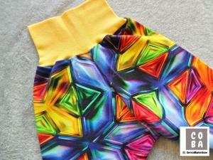 Handmade Pumphose aus Sommersweat Gr. 74/80 mit Kaleidoskop Muster - Handarbeit kaufen