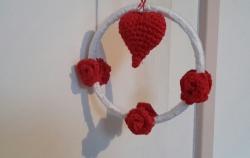 Handgemachter Herzkranz mit Rosen