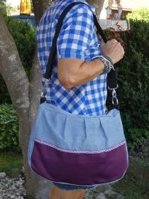 Upcycling Handtasche purple aus Jeans mit lilafarbener Applikation jetzt kaufen - Handarbeit kaufen
