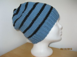 Strickmütze blaugrau und schwarz gestreift