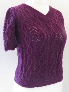 Kurzarm-Pullover mit Zopfmuster dunkellila
