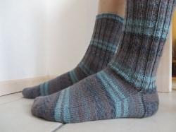 Socken handgestrickt 40/41 gestreift blau grau braun