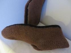 Hausschuhe aus Strickfilz Größe 42 bis 43 braun mit schwarzer Sohle