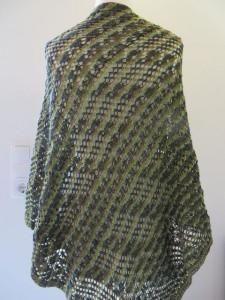 Dreieckstuch im Mustermix mit apartem Grüntönen Onesize aus weicher Merinowolle