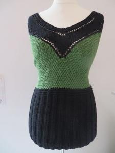 Top mit V-Ausschnitt schwarz - grün