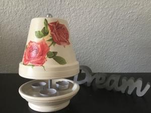 Teelichtofen Teelichtkamin Sommer Edition für Balkon und Terrasse ,inkl 3 Teelichter - Rosen rot auf ecru - Handarbeit kaufen