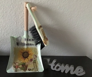 Kehrbesen Set ♥ handmade ♥️ einzigartiges Geschenk ♥️ Unikat - Zwerg  mit Sonnenblume  - Handarbeit kaufen
