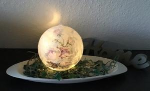 Leuchtkugel 14 cm ♥ Einzigartig♥ Geschenk ♥ upcycling ♥ Unikat  - Rosen romantisch - Handarbeit kaufen