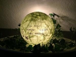 """Leuchtkugel 14 cm ♥ Einzigartig♥ Geschenk ♥ upcycling ♥ Unikat  -  Spruch """" Ohne dich ist . . ."""" - Handarbeit kaufen"""