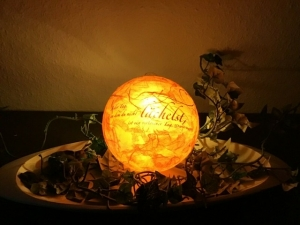 """Leuchtkugel ♥ Einzigartig♥ Geschenk ♥ upcycling ♥ Unikat  -  Spruch  """" Jeden Tag an dem .. """" - Handarbeit kaufen"""