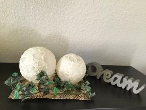 2er Leuchtkugeln ♥ Einzigartig ♥ Geschenk ♥ upcycling ♥ Unikat  -  Weiß mit Maßerung - Handarbeit kaufen