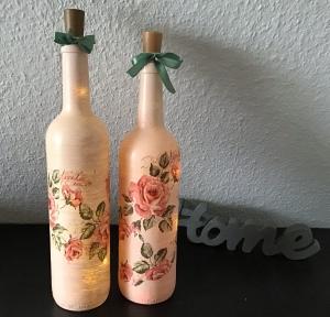 2 er Set Leuchtflasche ♥ handmade ♥ Geschenk ♥️ upcycling ♥ Unikat - Blumen antik - Handarbeit kaufen
