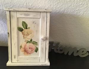 Schlüsselkasten ♥ shabby chic ♥️ einzigartiges Geschenk ♥️ Unikat - Rosen Pastell - Handarbeit kaufen
