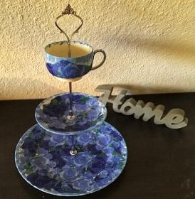 Etagere ♥ Porzellan  ♥️ Neu gestaltet ♥ upcycling ♥ Unikate - Blumen blau - Handarbeit kaufen