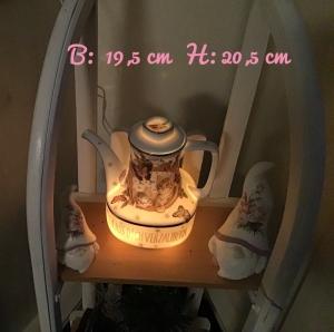 Beleuchtete Kaffeekanne  ♥ Einzigartig♥ Geschenk ♥ Vintage ♥ Unikat  - Katzen - Handarbeit kaufen