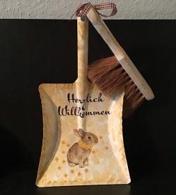 Kehrbesen Set ♥ handmade ♥️ einzigartiges Geschenk ♥️ Unikat -  Hase Häschen - Handarbeit kaufen