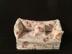 Deko-Sofa ❤️ Kosmetikbox Sofa ❤️ Taschentücherbox Sofa ❤️ Unikat -  Igel - Handarbeit kaufen