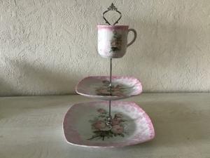 Etagere ♥ Porzellan  ♥️ Neu gestaltet ♥ upcycling ♥ Unikate - Vintage Rosen rosa - Handarbeit kaufen