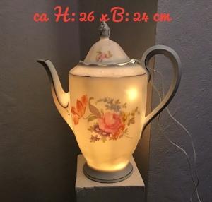 Beleuchtete Kaffeekanne  ♥ Einzigartig♥ Geschenk ♥ Vintage ♥ Unikat  - Rosenstrauß - Handarbeit kaufen