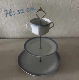 Etagere ♥ Porzellan  ♥️ Oma ´s Geschirr  ♥ upcycling ♥ Neu  Unikate -  Tortenplatte 2 - Handarbeit kaufen