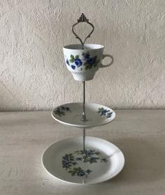 Etagere ♥ Porzellan  ♥️ Oma ´s Geschirr ♥ Vintage ♥ Unikate - Blumen blau - Handarbeit kaufen