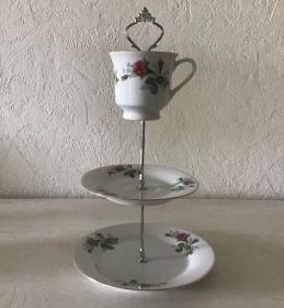 Etagere ♥ Porzellan  ♥️ Oma ´s Geschirr ♥ Vintage ♥ Unikate -  rote Rosen - Handarbeit kaufen