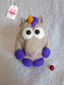 Filzballtierchen Einhorn lila, #Filzen, #Filztiere, #Filzfiguren, #Einhorn - Handarbeit kaufen
