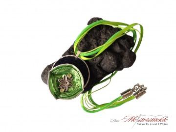 Halsreif Aluschmuck Medallion Trachtenkette hellgrün dunkelblau necklace