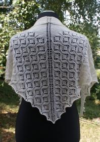 Strickschal, Dreiecktuch, Schal aus extrafine Merinowolle - Handarbeit kaufen