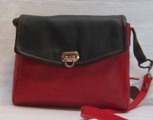 Kleine Ledertasche in rot und schwarz, Cross-Bag aus Schafsnappa, Ledertasche, Umhängetasche aus echtem Leder, Handarbeit - Handarbeit kaufen