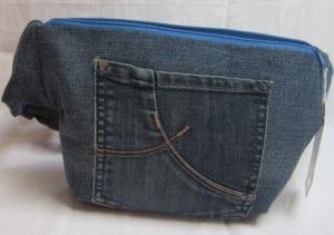 Handarbeit!  blaue Jeans Bauchtasche, Hüfttasche. Gürteltasche,  HipBag,  Jeans Upcycling - Handarbeit kaufen