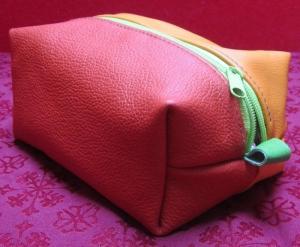 Auslaufsichere Kulturtasche, Stiftemappe, Taschenhüpfer aus Leder, orange und rot - Handarbeit kaufen
