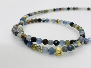 Traumhafte, handgefertigte blau braun graue Achatkette Collier, bunt, 4 mm rund facettiert mit goldener Schnecke und Kristallen - Handarbeit kaufen
