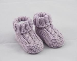 Babyschuhe 0-3 Monate gestrickt flieder Babygarn