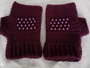 Lila Fingerlose Handschuhe bzw. Pulswärmer - Handarbeit kaufen
